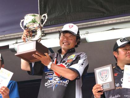 20100715-kato_win1
