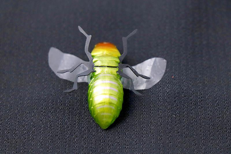 虫を忠実に再現するシリコン製 脚パーツ