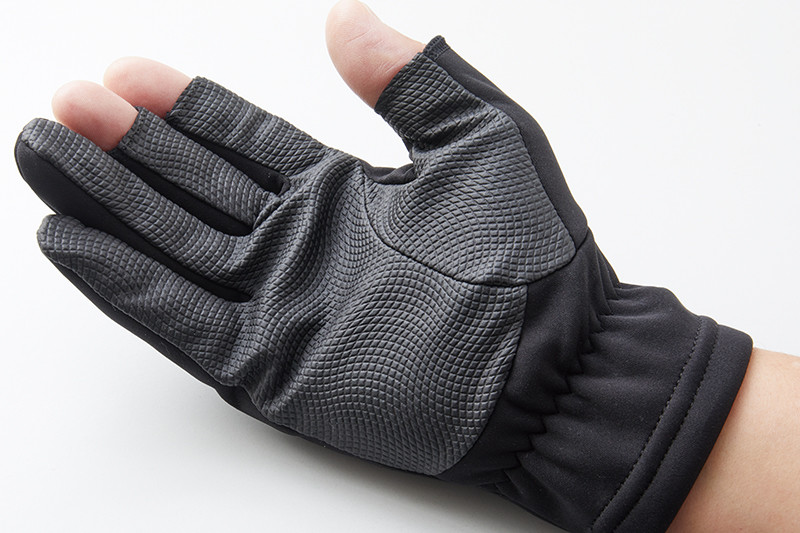 感度と防寒性を確保