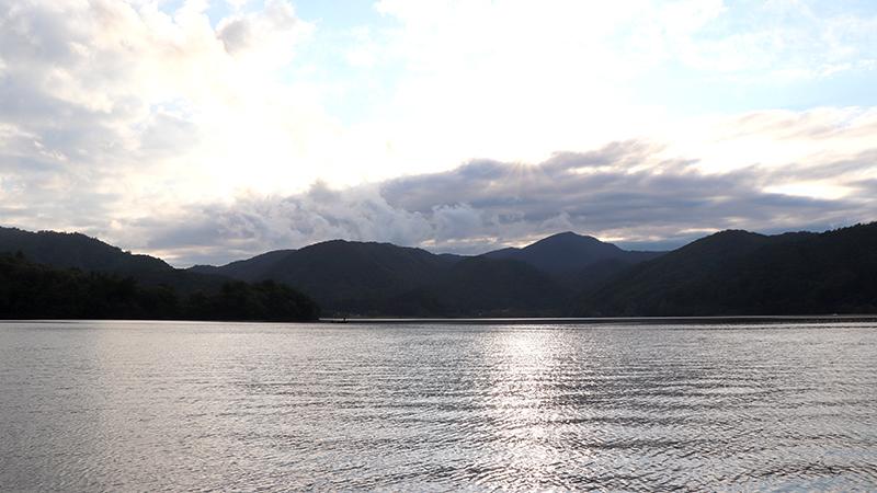 秋の深まる桧原湖も、i字系に注目!